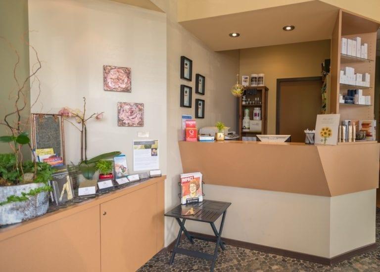 Bellevue-Natural-Health-Clinic-Entrance-768x550