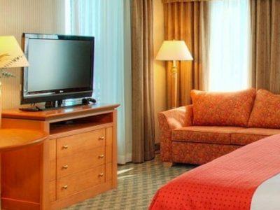 holiday-inn-room