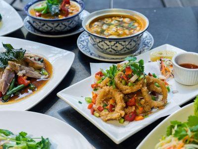 thai-house-dinner